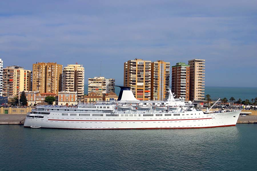 cruise in the port of Cádiz